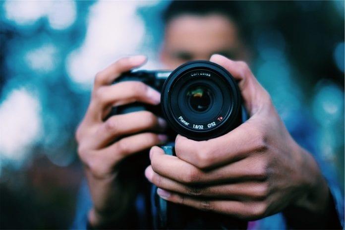 Camera - Single-lens reflex camera