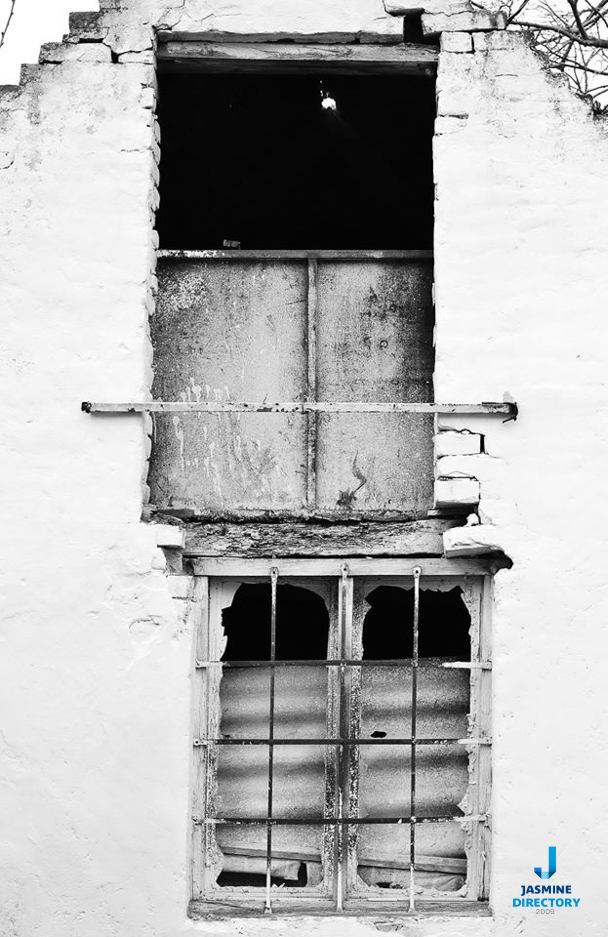 Old house facet