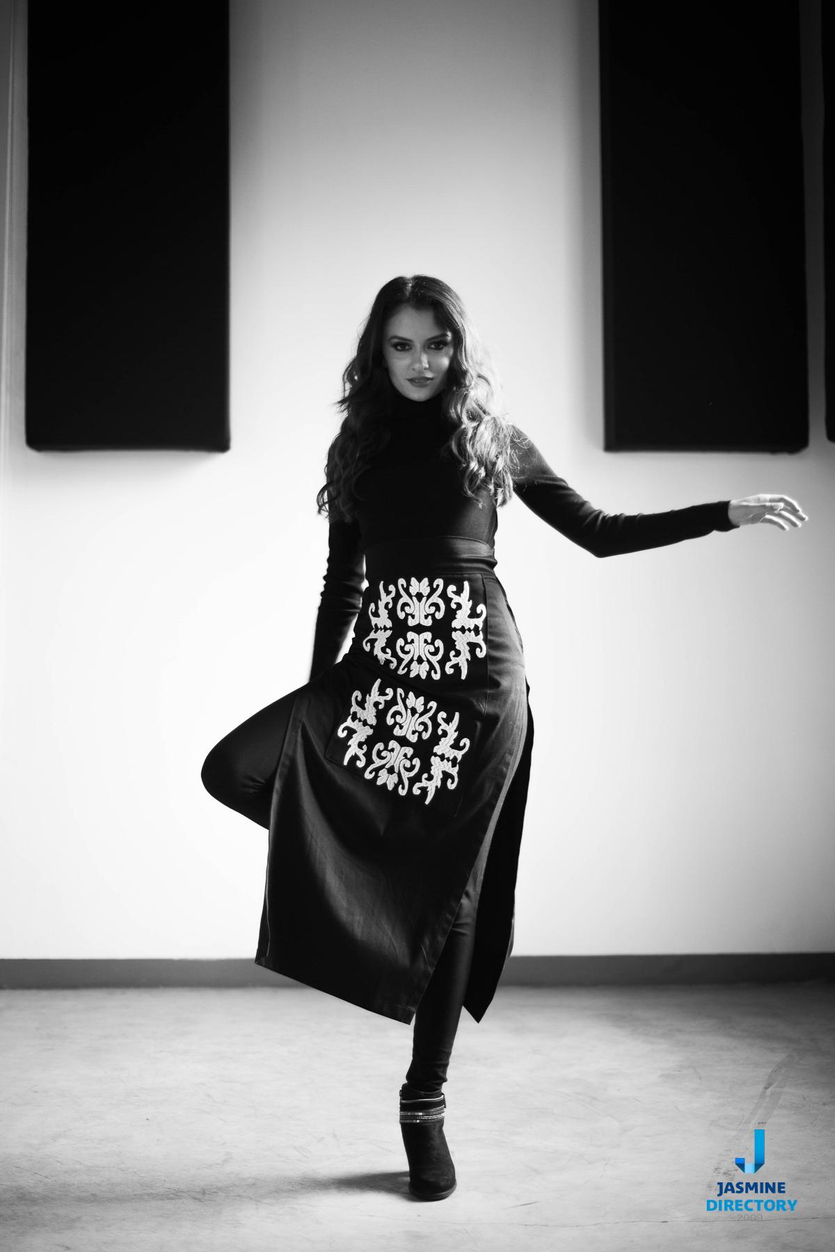 Artistic young woman Asymmetrical Balance