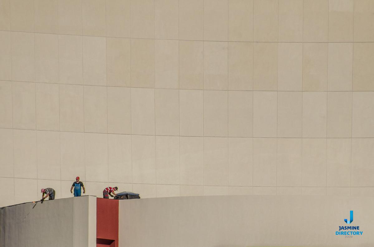 Asymmetrical Balance in Photography Big Small