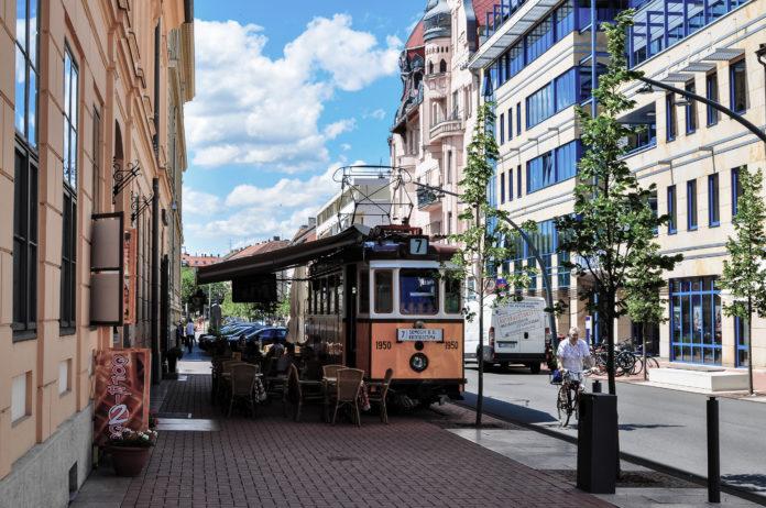 Trolley - Public transport